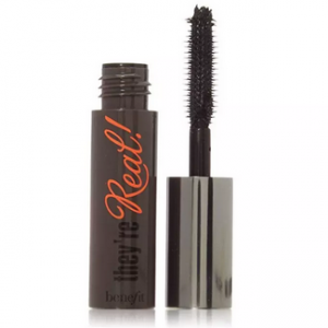 Benefit – mascara they're real 3g.